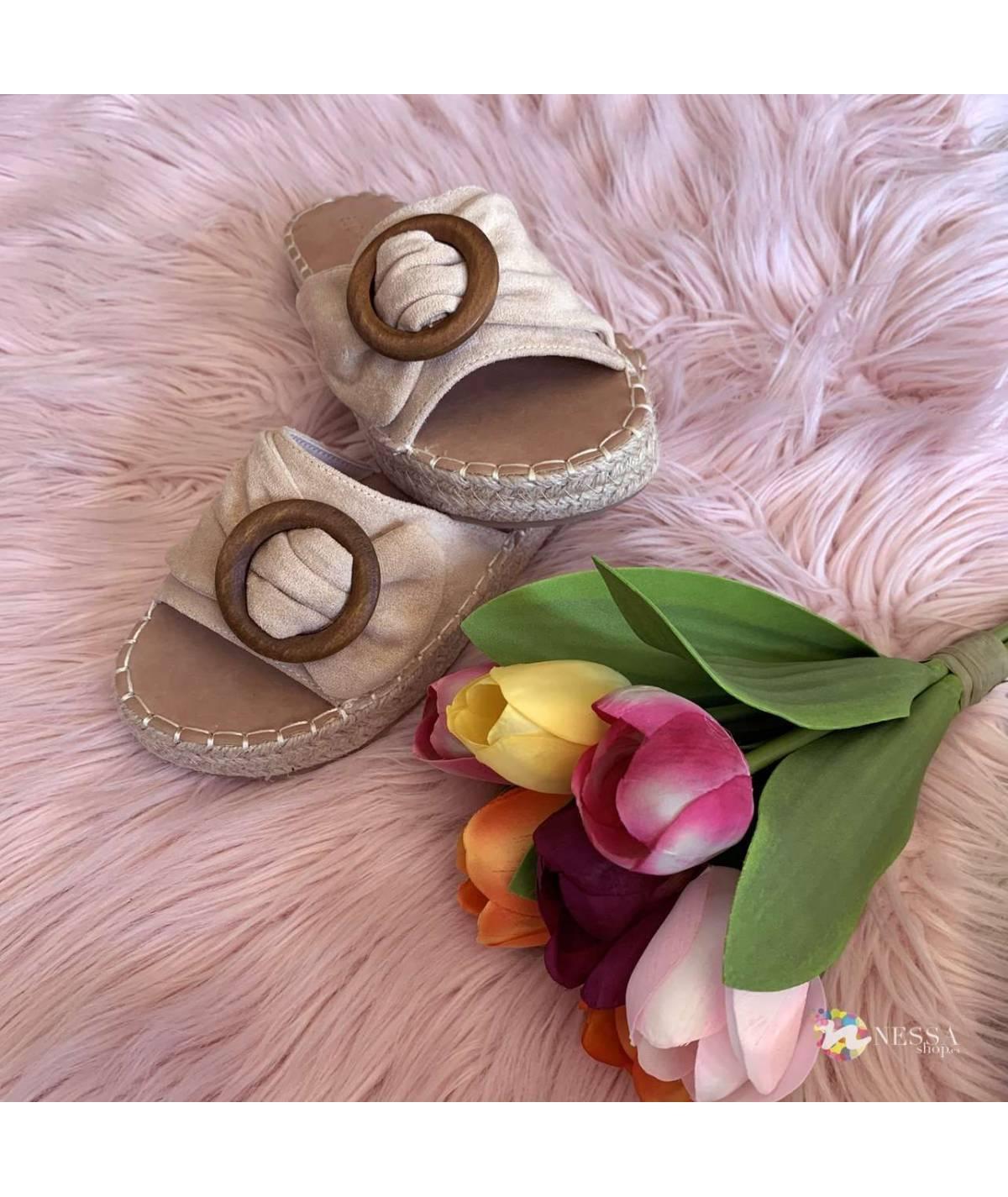 Apricot flat sandal